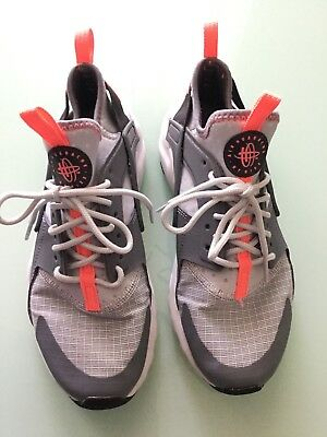 nike huarache run girls size 4Y orange/gray excellent condition