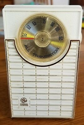 Vintage General Electric All Transistor Pocket Radio With Matching Case