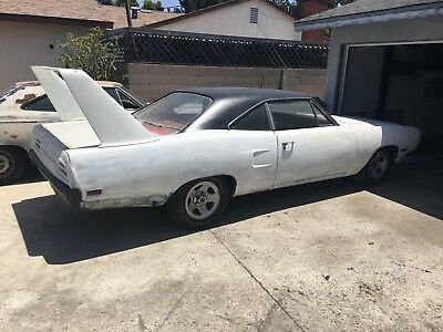 1970 Plymouth Road Runner  1970 Superbird Clone