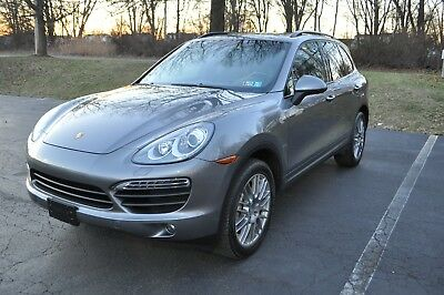 2011 Porsche Cayenne S 2011 PORSCHE CAYENNE S IN PERFECT CONDITION! NEW TIRES! GRAY ON BLACK.