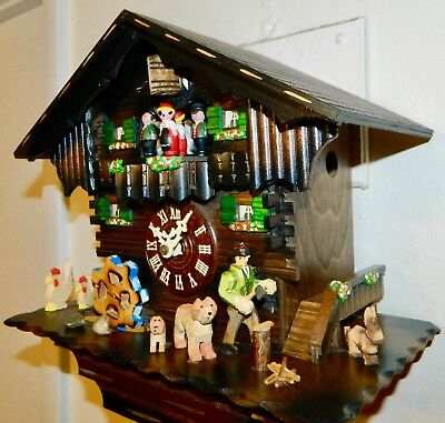 ***Full Animated Musical Black Forest Germany  Cuckoo Clock**