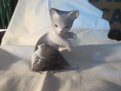 llardo Cat with Mouse on Tail A10H 3''