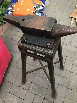 Blacksmith/farrier Anvil And Stand