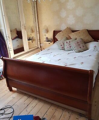 Lovely Quality King Size Sleigh Bed, Mahogany
