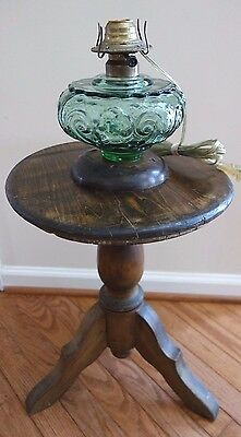 Antique Round Wood 3 Leg Pedestal Side Table Stand w El Green Glass Oil Lamp