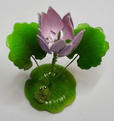 Vintage All Metal Figurine MANN INC Korea Frog on Flowering Lily Pad Paperweight