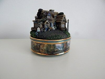Thomas Kinkade Lamplight Porcelain Illuminated Music Box