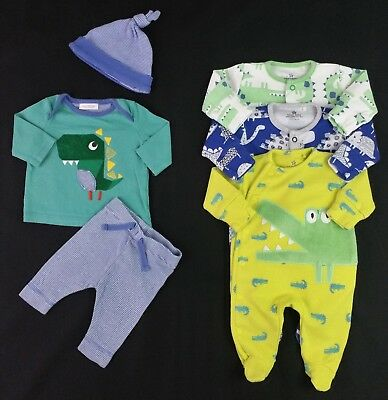 Newborn Boys NEXT 6 Piece Starter Bundle Upto 7.5lbs First Size VGC Comb Postag