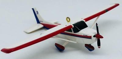 2012 Cessna 172 Skyhawk Hallmark Ornament Sky's The Limit #16