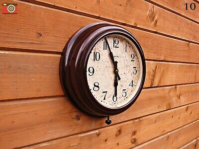 A Vintage Smith Bakelite 8 Day Wind Up Clock. Completely Original & Working