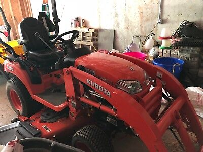 2014 Kubota Bx2670 4X4  Diesel Subcompact Tractor Only 61 Hours!!!