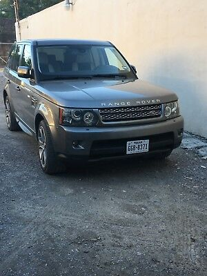 2010 Land Rover Range Rover Sport  Range Rover SPORT 2010 SUPERCHARGED EXCELLENT CONDITION