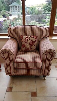 Beautiful armchairs (x2) in excellent condition with foot stool (HX3 9UE)