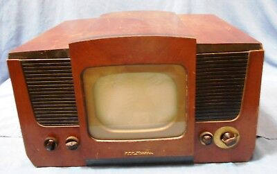 Vintage RCA Victor  Television (TV) 8TS30 For Parts or Repair