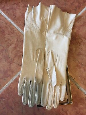 PR. TRUE VINTAGE LADIES LONG WHITE SOFT LEATHER GLOVES w/box, Look never worn