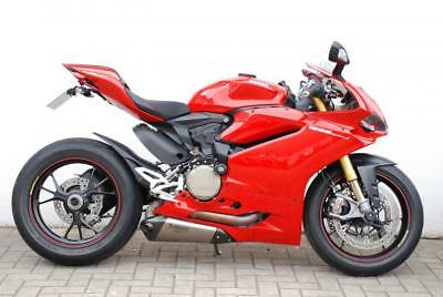 Ducati Panigale 1299S With Slip On Akrapovic Exhausts