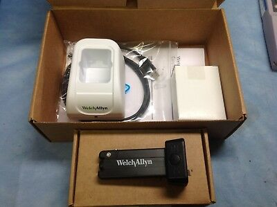 Welch Allyn 80010 cordless illuminator w/charger station. Vaginal speculum light