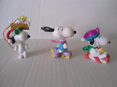 Lot of 3 Mini PVC Snoopy Figures Christmas Easter Decorations Cake Topper