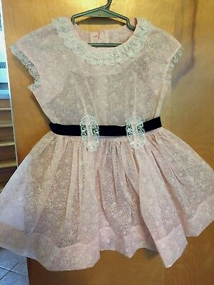 PRETTY TRUE VINTAGE PINK & WHITE LITTLE GIRLS FANCY DRESS, lace trim, sz 2-3