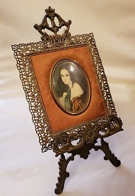 VTG Filigree Frame Portrait Antique Victorian Style Ornate Brass Easel lady oval