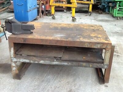 welding bench with record vise