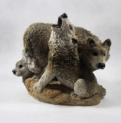 Unique  Stone Critters SC-729 Wolf Howling - Wolf  with Family Unique & Rare