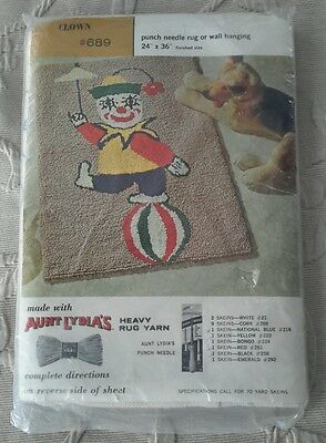 Vintage Deadstock Aunt Lydia's Clown #689 Punch Needle Rug Wall Hanging 24x36