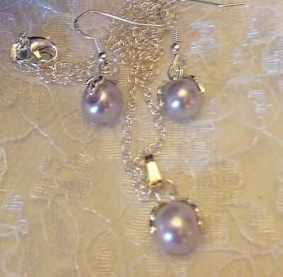 """Lavender Ice  🌸 Shell Pearls + 18"""" Chain+Earings/In A Box"""