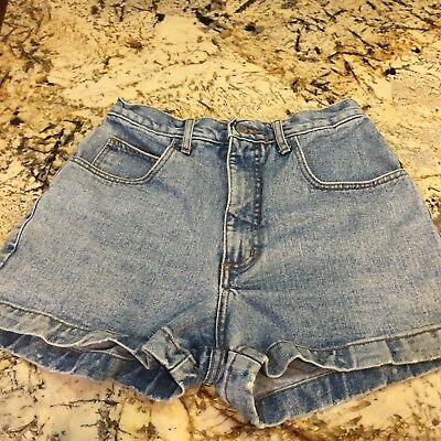 Vintage Guess USA Denim High Waist Mom Short Shorts Size 29 Light Wash