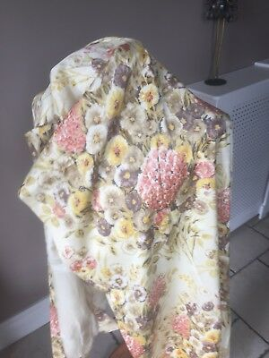 A Vintage Floral Curtain; Beautiful And Could Be Used For Clothing 2 Metres X1 M