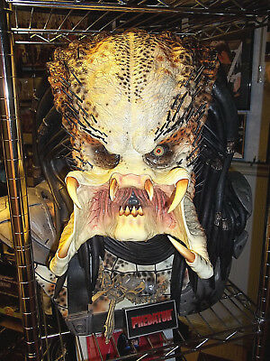 Sideshow Collectibles Life Size 1:1 scale PREDATOR BUST