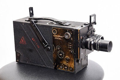 WWII US ARMY SIGNAL CORPS CINE KODAK SPECIAL 16mm vintage movie camera...READ!