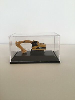 N Scale Excavator for Railway Layouts