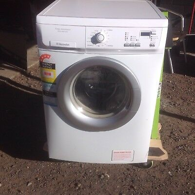 Electrolux7kg FrontLoad Washing Machine-model Time Manager 7kg Eco Wash