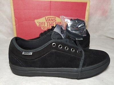f4551812252 New Vans Chukka Low Pro Suede Blackout Gum Grey Ultra Cush Skate Shoe Men  Size 7