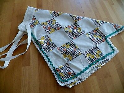 Unusual Vintage Hand made Cotton Patchwork Apron Great Condition Rick Rack trim