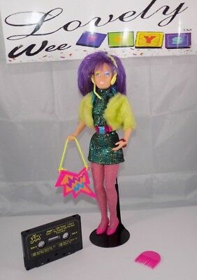 1987 Hasbro Jem and the Holograms - Clash doll - EXCELLENT CONDITION
