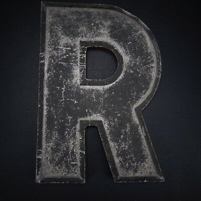 "Vintage 10"" ALUMINUM  DISTRESSED LETTER ""R"" Wagner Sign Service Inc."