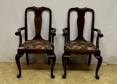 Henkel Harris Solid Mahogany Set of 2 Queen Anne Dining Arm Chairs st109