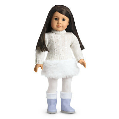 Beautiful Brand *NIB* American Girl Soft-as-Snow Outfit & Charm For Dolls