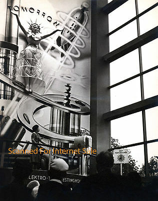 1939 New York Worlds Fair Electro Robot PHOTO Westinghouse Exhibition Modernist