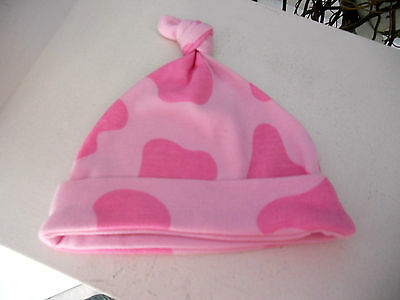 Soft size 000 baby girl girls pink beanie hat puddle / moo cow print w topknot