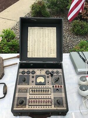 Vintage GE General Electric Tube Checker Tester Model TC-3  (120vac)