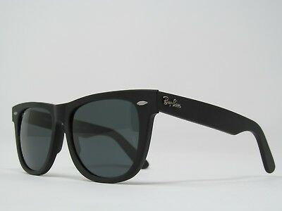 New Ray-Ban Wayfarer Sunglasses Matte Black Frame on Blue/Gray Lenses 54mm