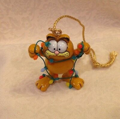1978 Enesco GARFIELD Ornament ~ LIGHTEN UP ~ Garfield Tangled in Lights no box