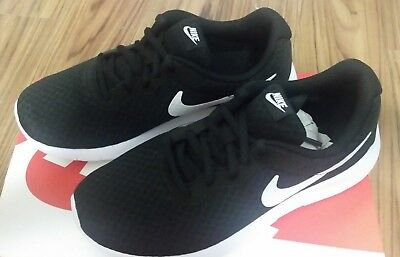 brand new 1cfa0 1a0ab 818382-011 NIKE Tanjun (PS) Pre-School Kids Black White Running
