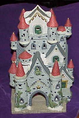 1998 Dickens Collection series Winter Castle Christmas village scene  FREE SHIP