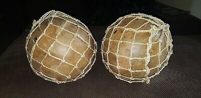 """Broyhill Accents Pair of Solid Wood 9"""" Decorative Balls Wrapped in Twine Netting"""