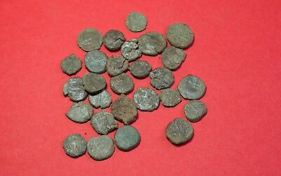 Lot of 28 Roman or Byzantine Small Coins Nummus 3035H