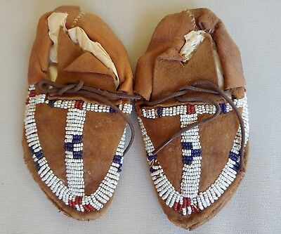 Vintage Native American Indian Childs/Baby Moccasins Suede Leather Beaded